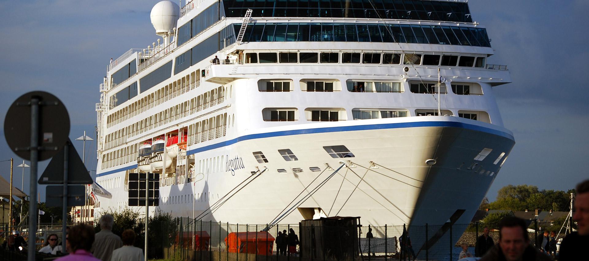 Ship for berlin shore excursions