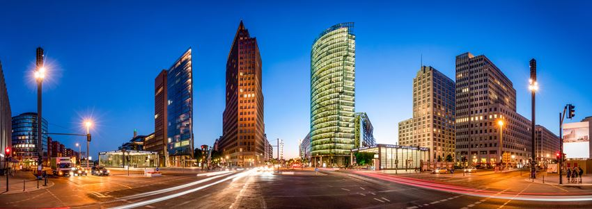 discover the potsdamer Platz with your private tour guide berlin.